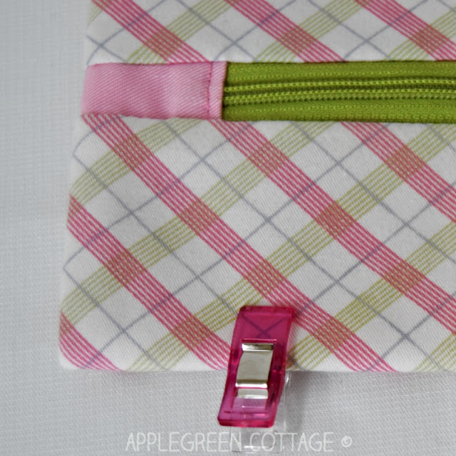 zipper tabs on zipper pouches