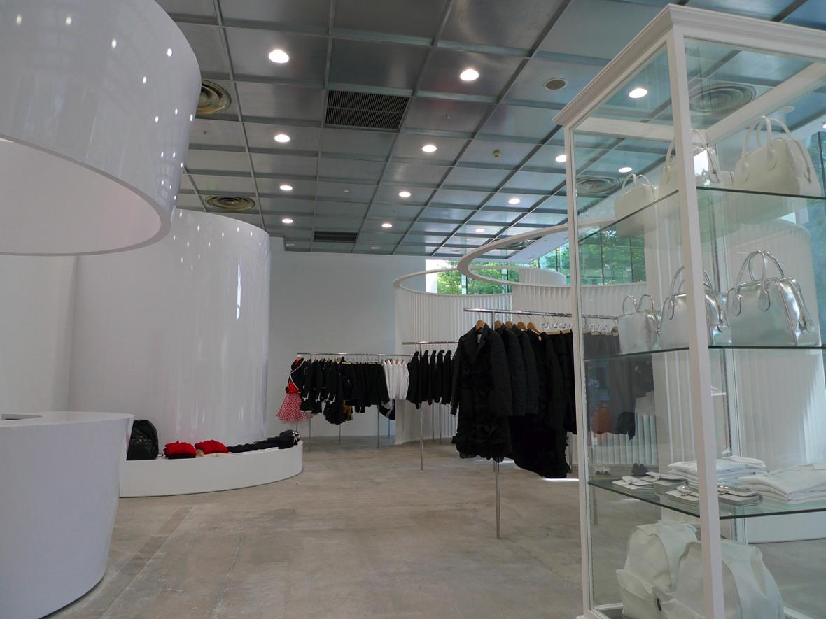 コム デ ギャルソン 店舗