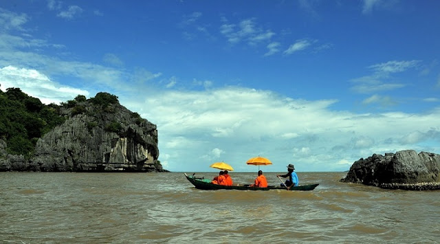 Ba Lua Archipelago, the fascinated Ha Long Bay in the south of Viet Nam 2