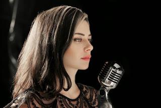 Israeli pop star Ninette Tayeb