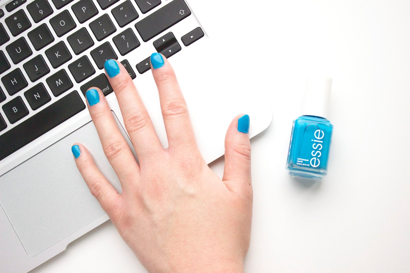 Essie Strut Your Stuff, Essie, Nails, Beauty, Beauty Blog, Blue nails, Blue Nail Polish, Macbook,