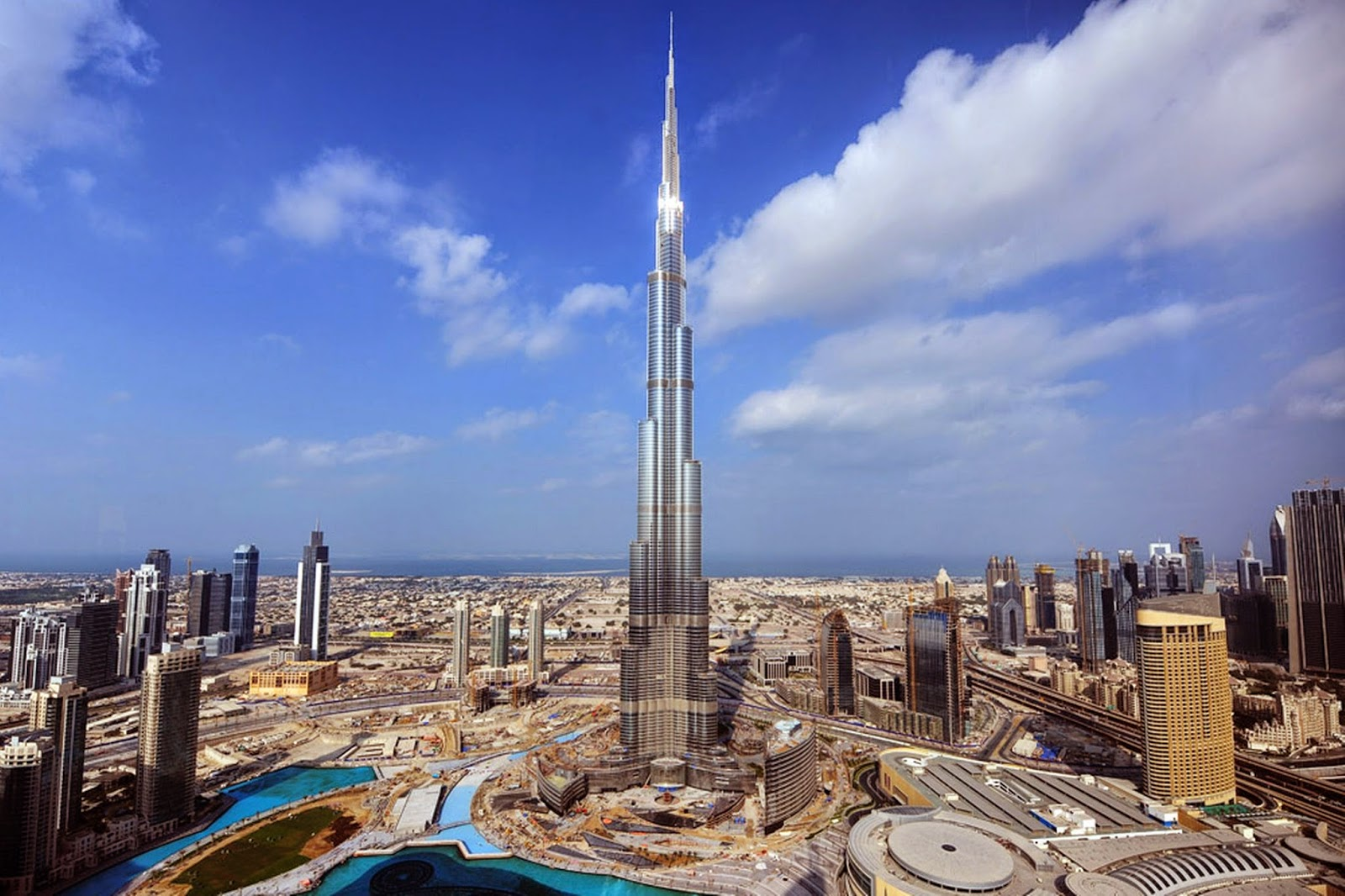 Burj Khalifa - Tallest man-made structure in the world in Dubai - myMinaret