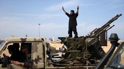 Unos integrantes del grupo terrorista EIIL (Daesh, en árabe) en Libia.