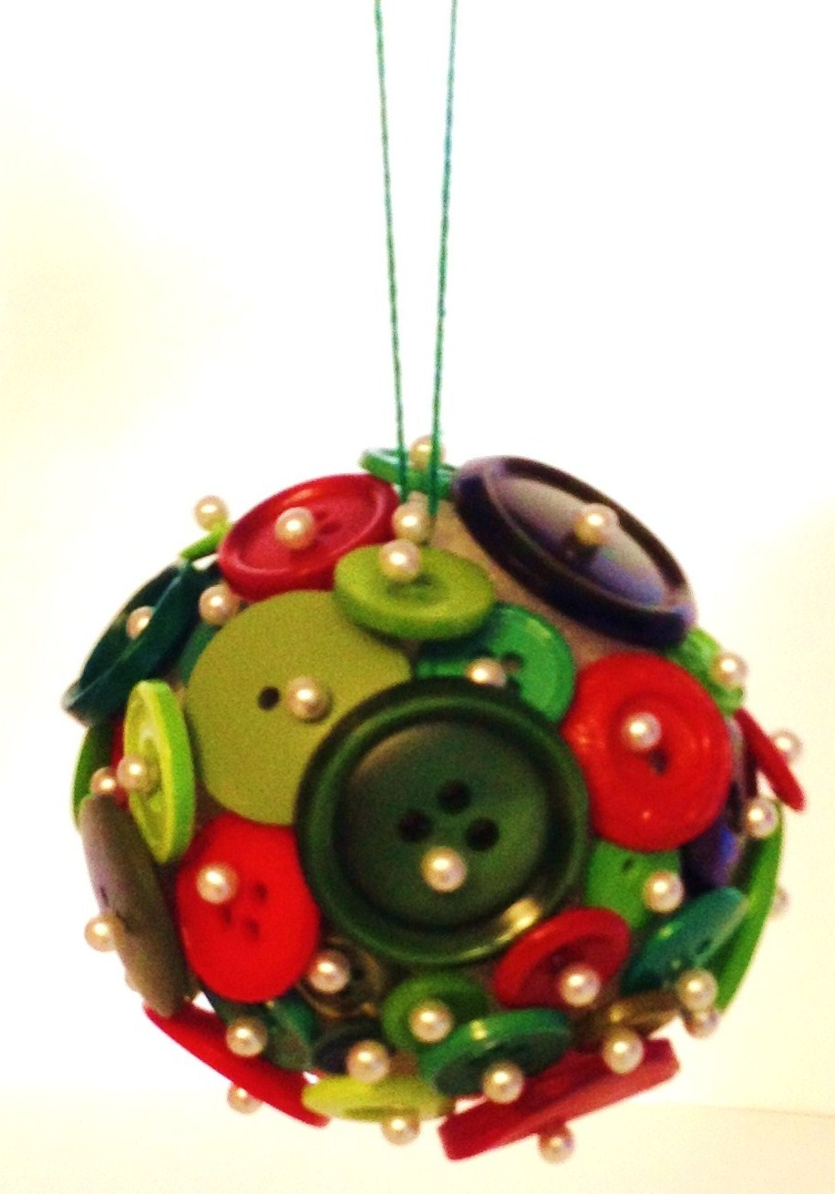Charmed and Cherished: Button Ornament Tutorial