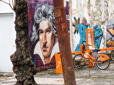 In Urca (Rio de Janeiro, Brazil), by Guillermo Aldaya / PhotoConversa