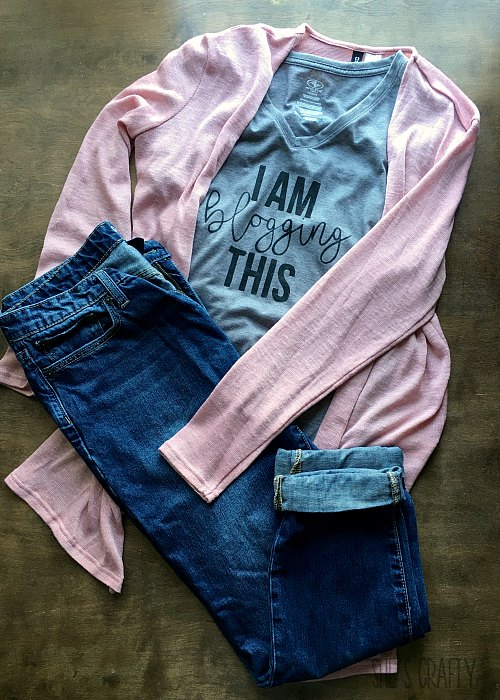 blush sweater, cropped jeans, I am blogging this gray Tshirt