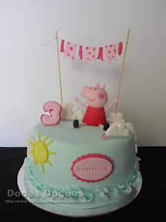 Bolo de aniversário com a Porquinha Peppa
