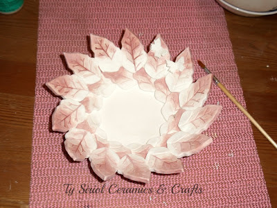 How to make a ceramic leaf bowl using the slab building technique
