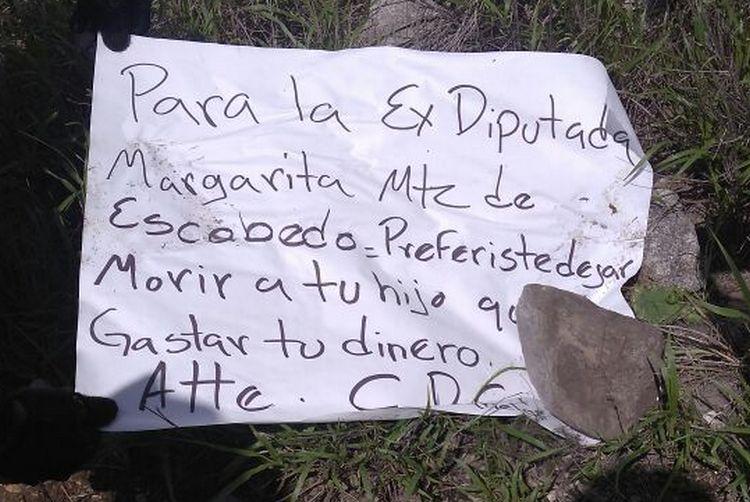 """Foto, CDG deja calcinado al hijo de diputada en la carretera Monterrey-Saltillo, """"Preferiste dejar morir a tu hijo que gastar tu dinero"""""""