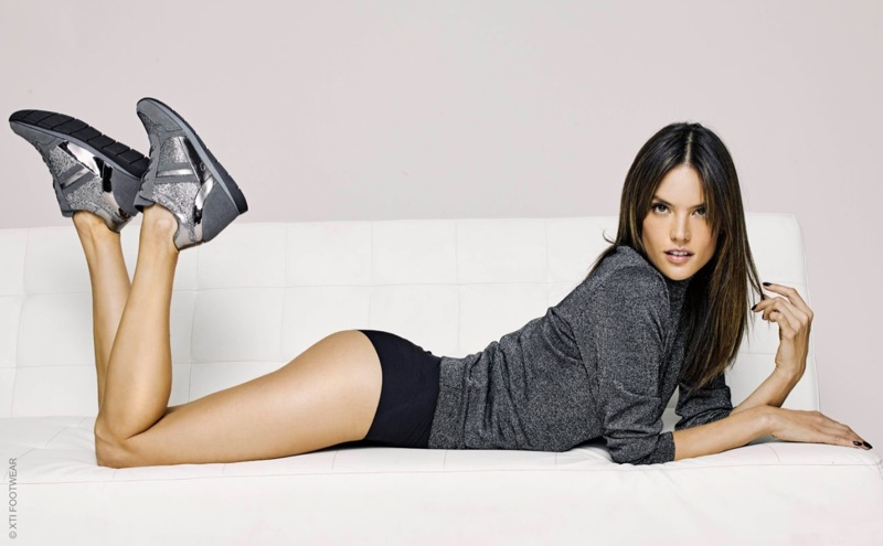 XTI Shoes Fall/Winter 2017 Campaign starring Alessandra Ambrosio