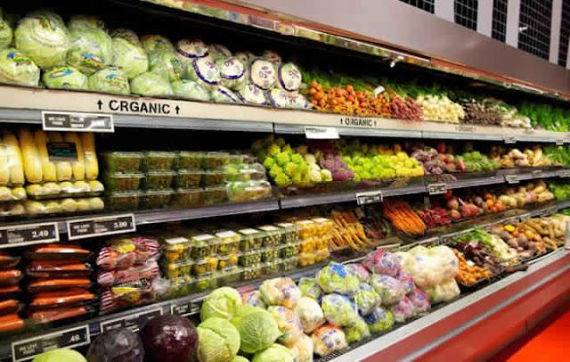 Voici une liste complète des fruits et légumes les plus et moins pollués & un moyen efficace pour se débarrasser de ces toxines