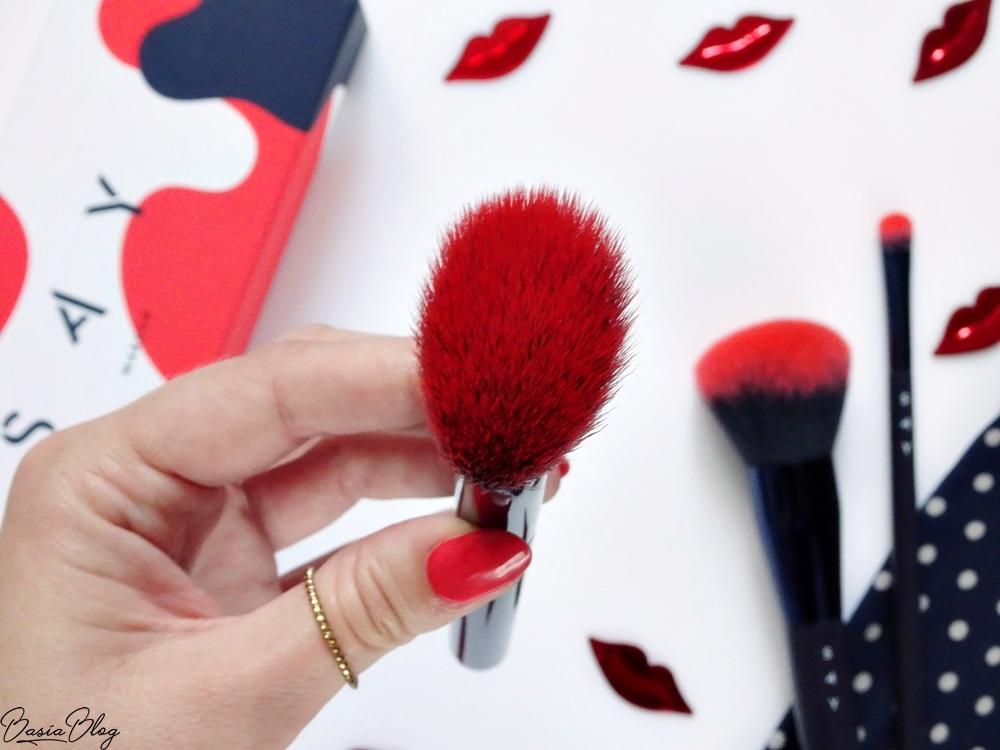 SAY Makeup pędzel do konturowania ANGLED CHEEK BRUSH, syntetyczny pędzel do konturowania, miękki pędzel do konturowania, pędzel do różu, pędzel do bronzera
