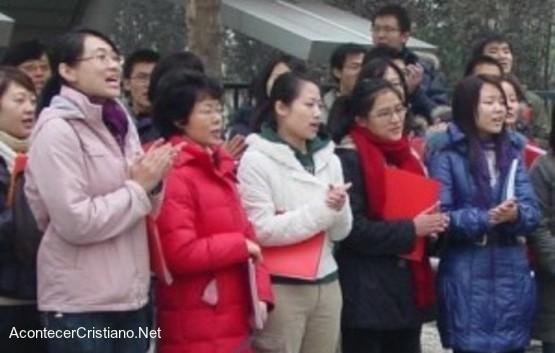 Cristianos de Iglesia Shouwang protestan por persecución religiosa en China