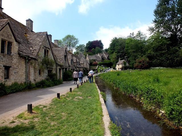 bonitas casas de piedra en Bibury los Cotswolds