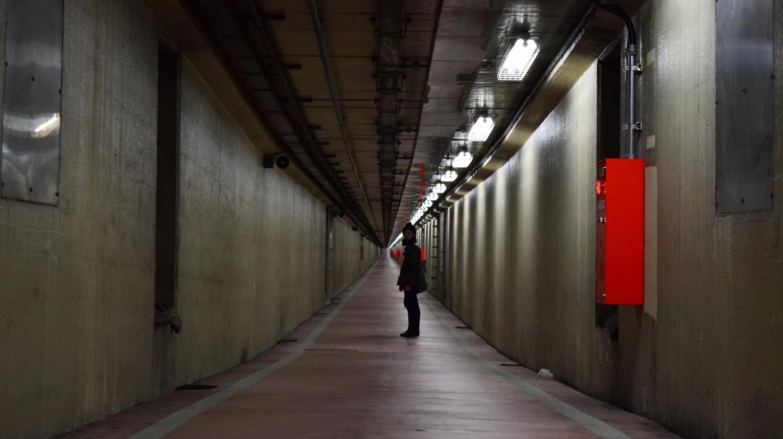 川崎の歩いて渡れる海底トンネル&外界からアクセス不能の秘境駅へ | 不思議なB級スポット