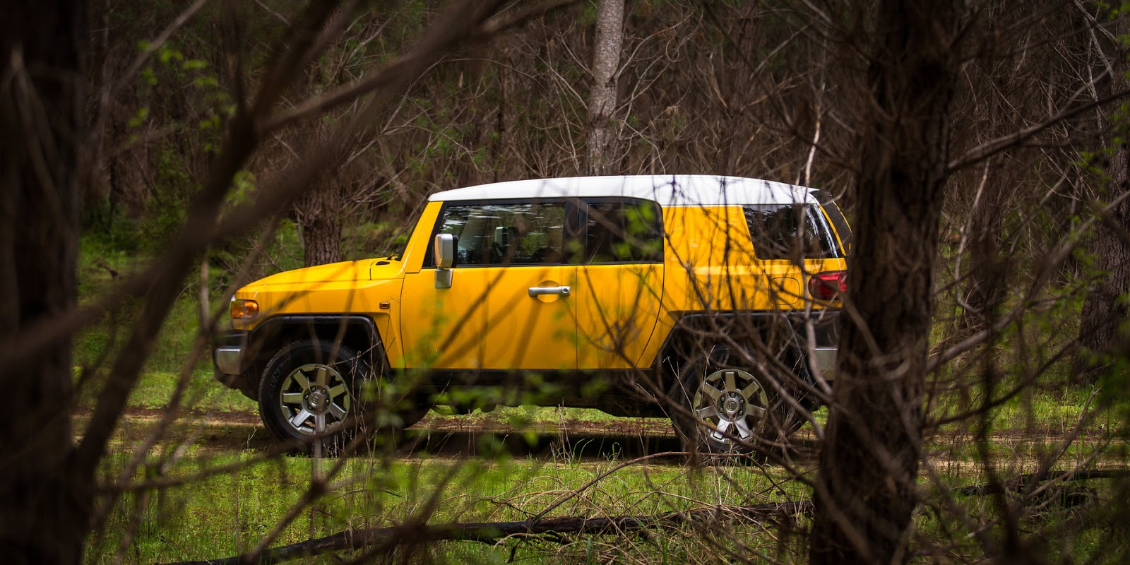 Toyota FJ Cruiser là chiếc xe hoàn hảo để chinh phục mọi địa hình