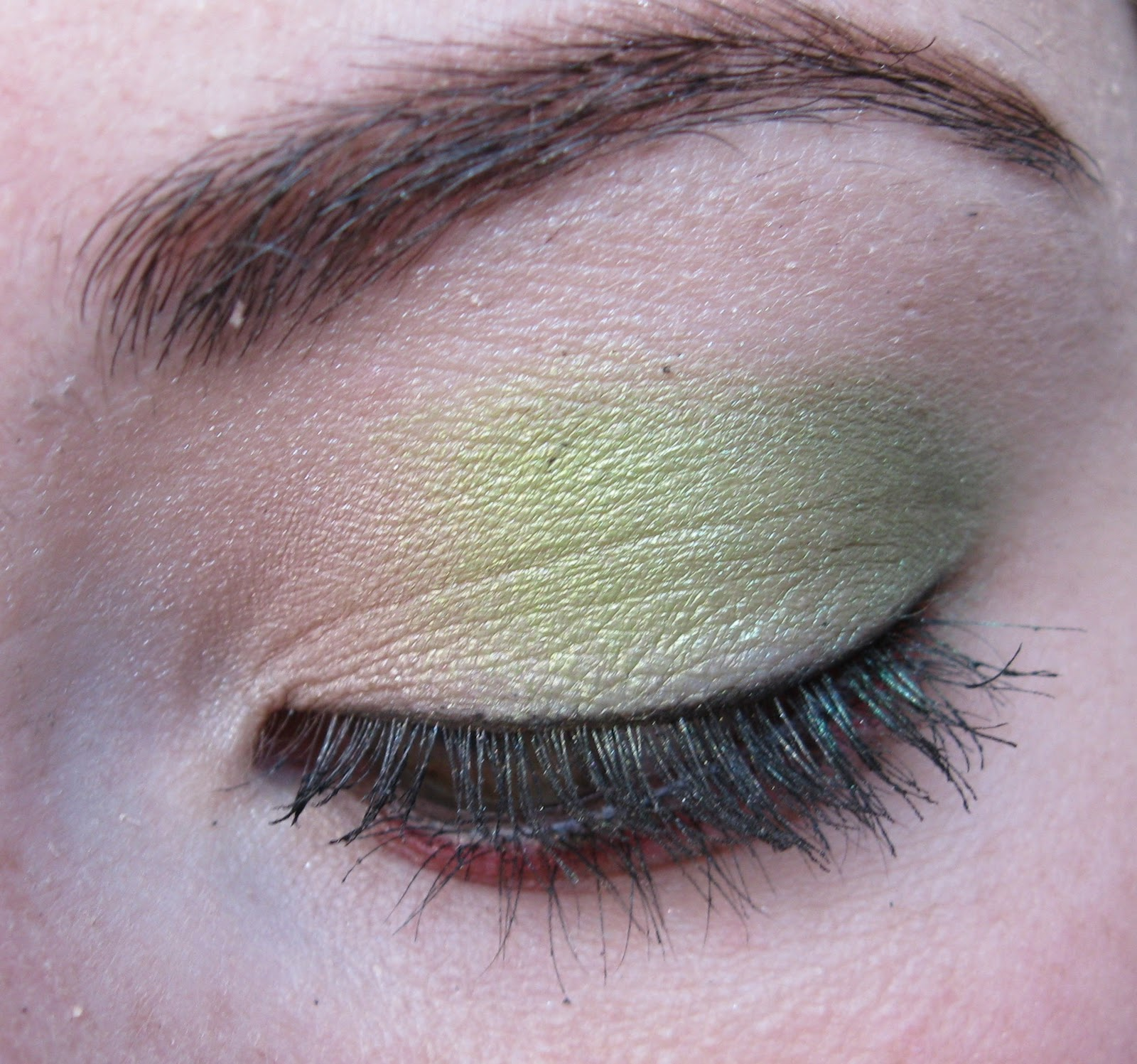 Trinity Designs: NTMS Red/Green Smoky Eye