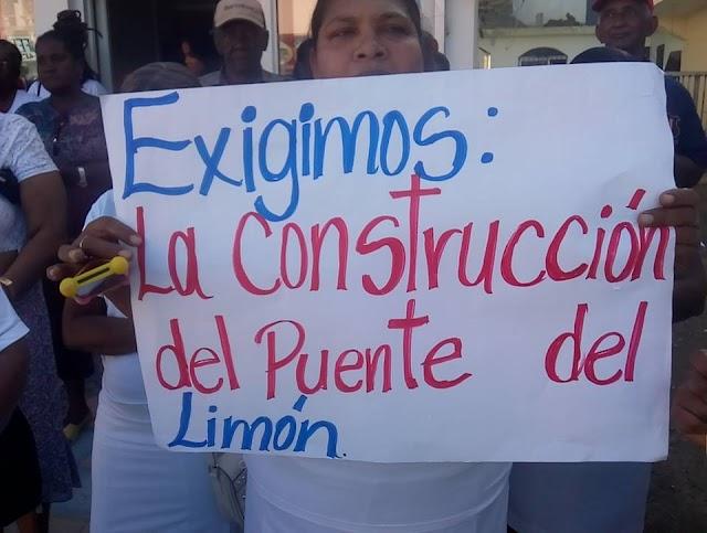 Moradores del Limón de Samaná exigen construcción del puente.