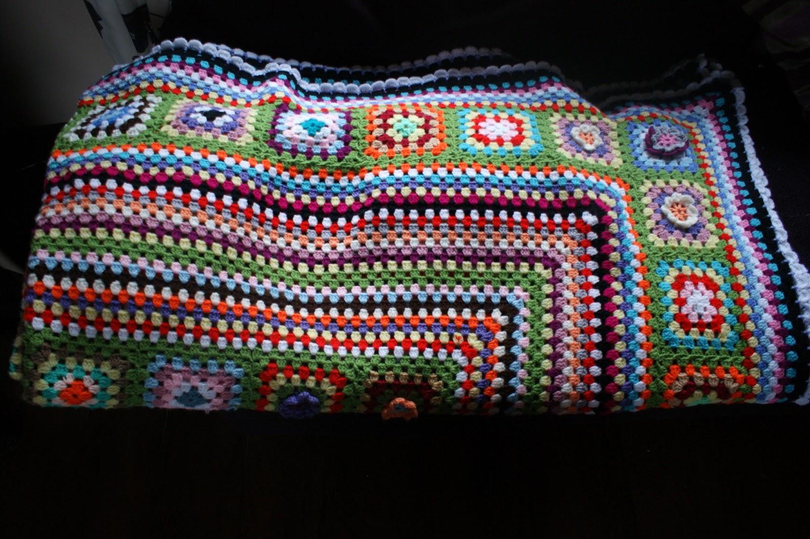 helen 39 s colourful crochet blankets latest king size crochet blanket. Black Bedroom Furniture Sets. Home Design Ideas