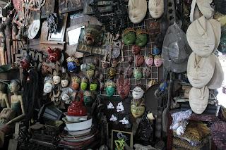 pasar barang antik Triwindu, Solo