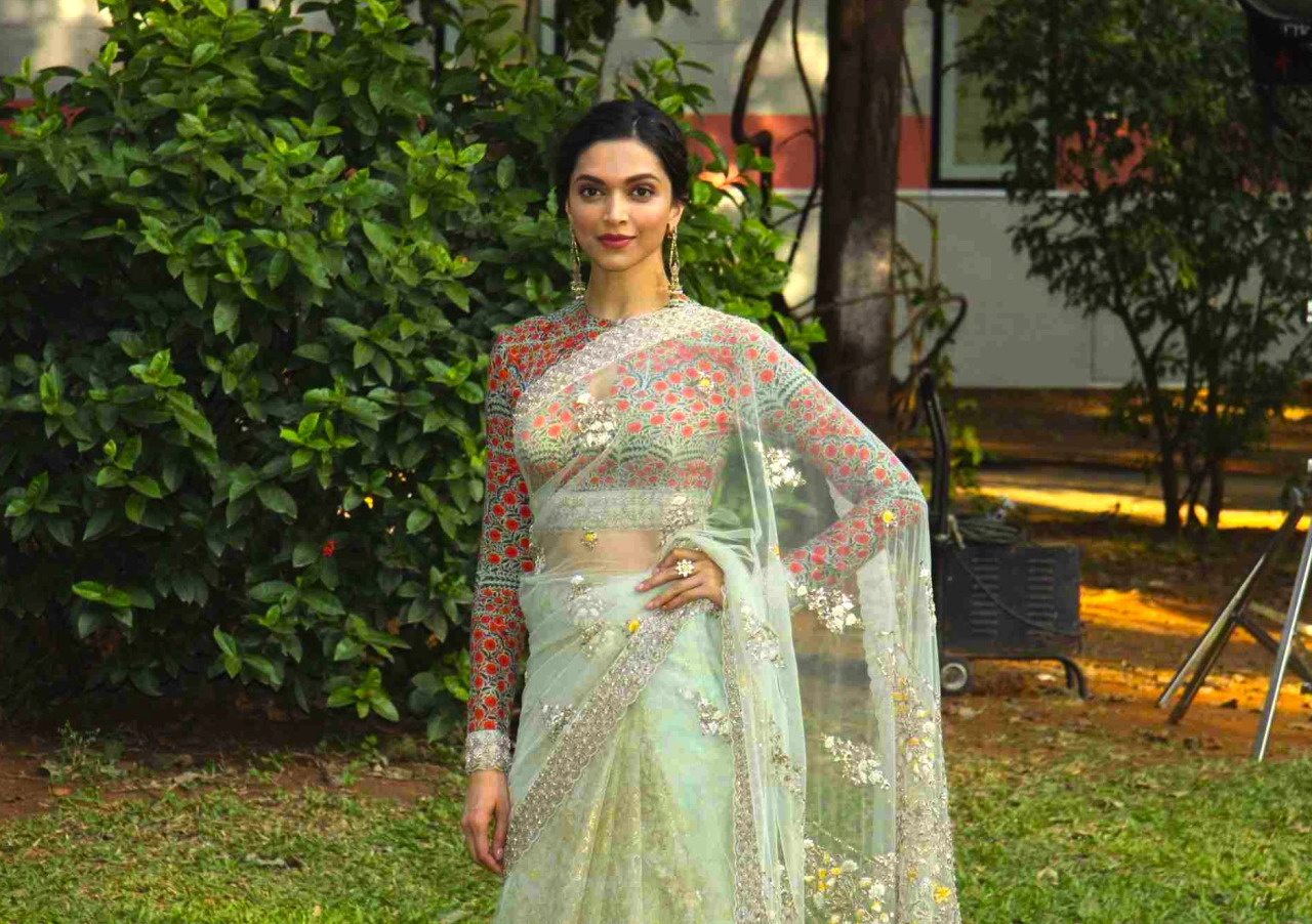 Deepika Padukone Gorgeous Photos In White Saree