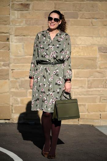 https://seaofteal.blogspot.com/2018/11/autumn-dress-simplicity-8084.html