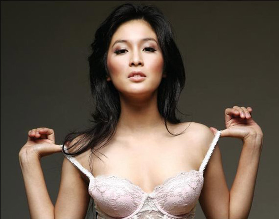 Model Hot Bugil Indonesia: Sandra Dewi For FHM Indonesia Magazine