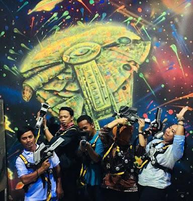 kelompok main perang laser skyworld tmii