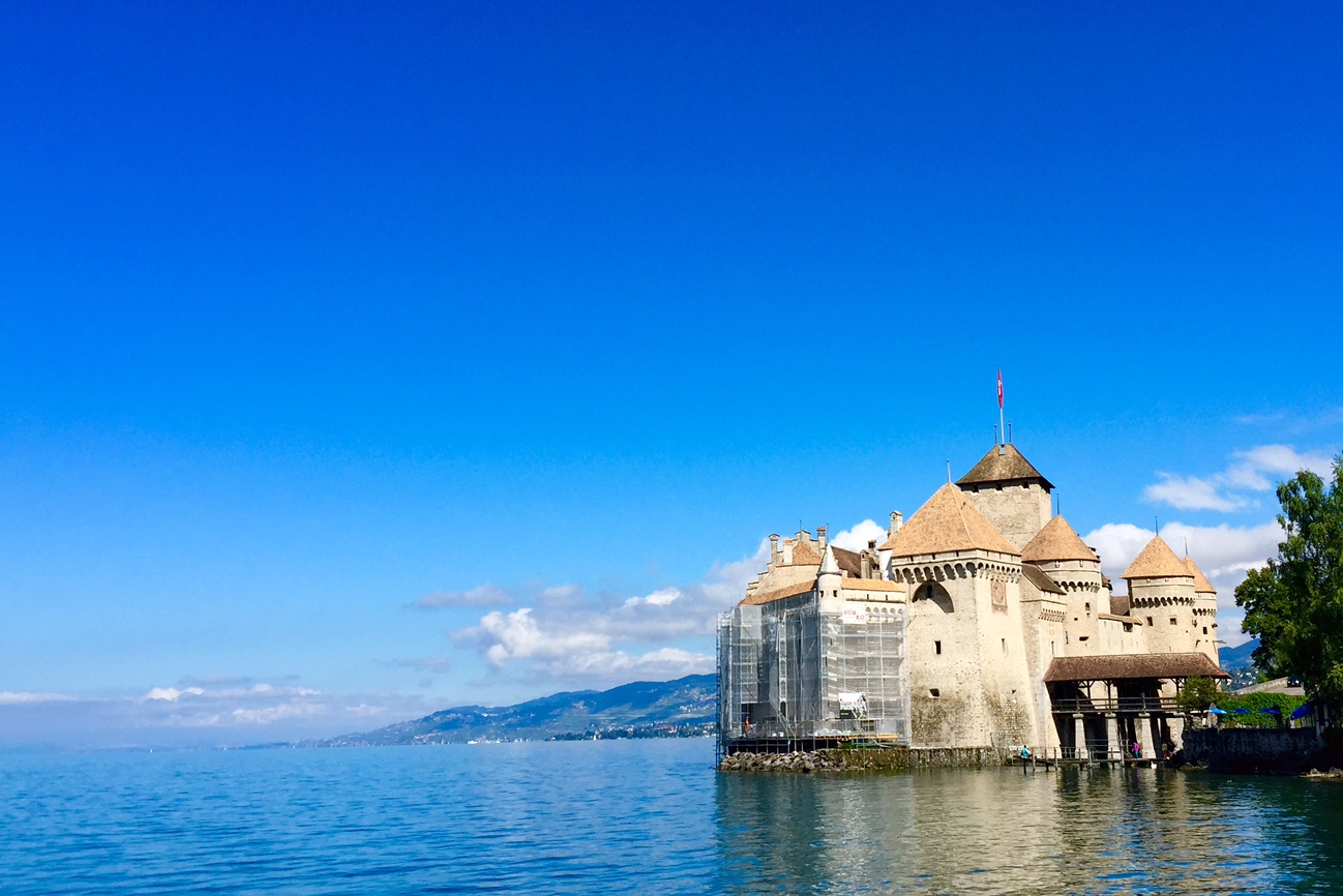 Blue Or Green Ch 226 Teau De Chillon Chillon Castle Switzerland S Most
