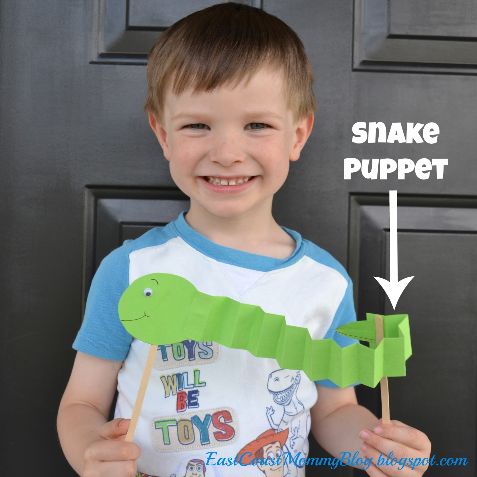 East Coast Mommy: ECM Kids\' Craft Club - #17 {Snake Puppet and Bookmark}