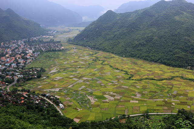 Mai Chau in Vietnam - Green valley of Thai people 1