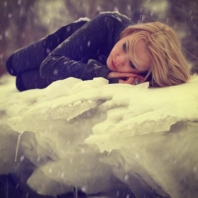 Sad Emotional Pics: Sad Girls Sleeping