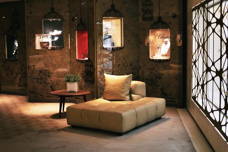 mandarin oriental sofa lobby lounge