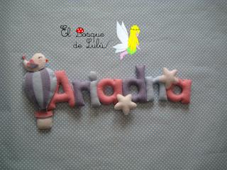 nombre-fieltro-Ariadna-decoración-infantil-name-banner-felt-feltro-elbosquedelulu-hechoamanoparati-regalo-personalizado-infantil