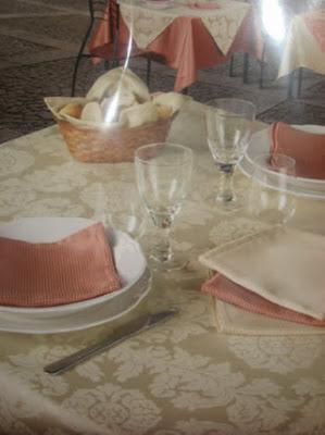Fete de masa - damasc satinat restaurant - Bucuresti