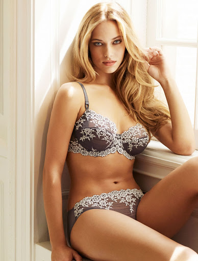 Hannah Ferguson sexy Wacoal lingerie models photo shoot