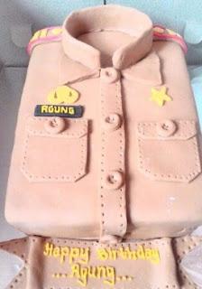 contoh kue baju polisi
