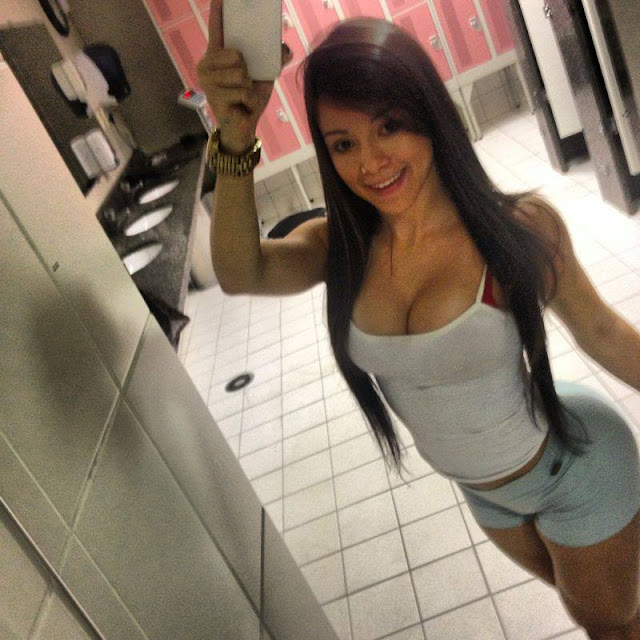 18 year old ariana gets her pussy explored 4