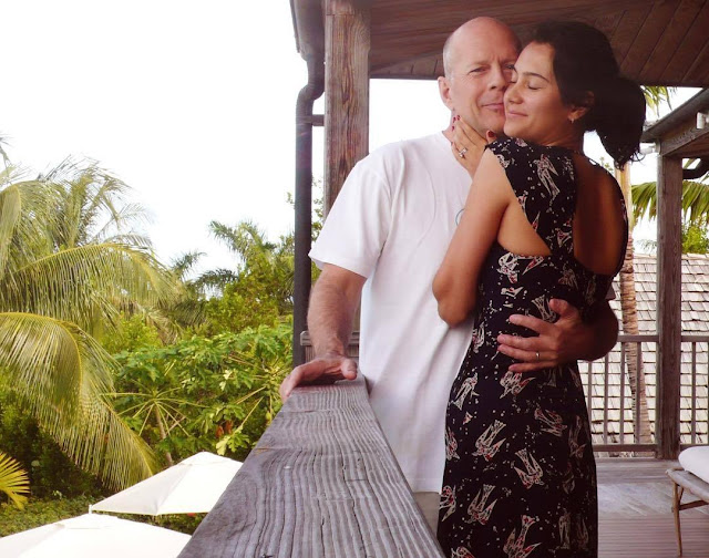 Bruce Willys reunites with his wife, Emma Heming, at his ex-Demi Moore's house - Paraice News