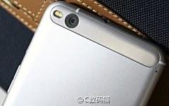 Những hình ảnh đầu tiên của HTC X10 lộ diện