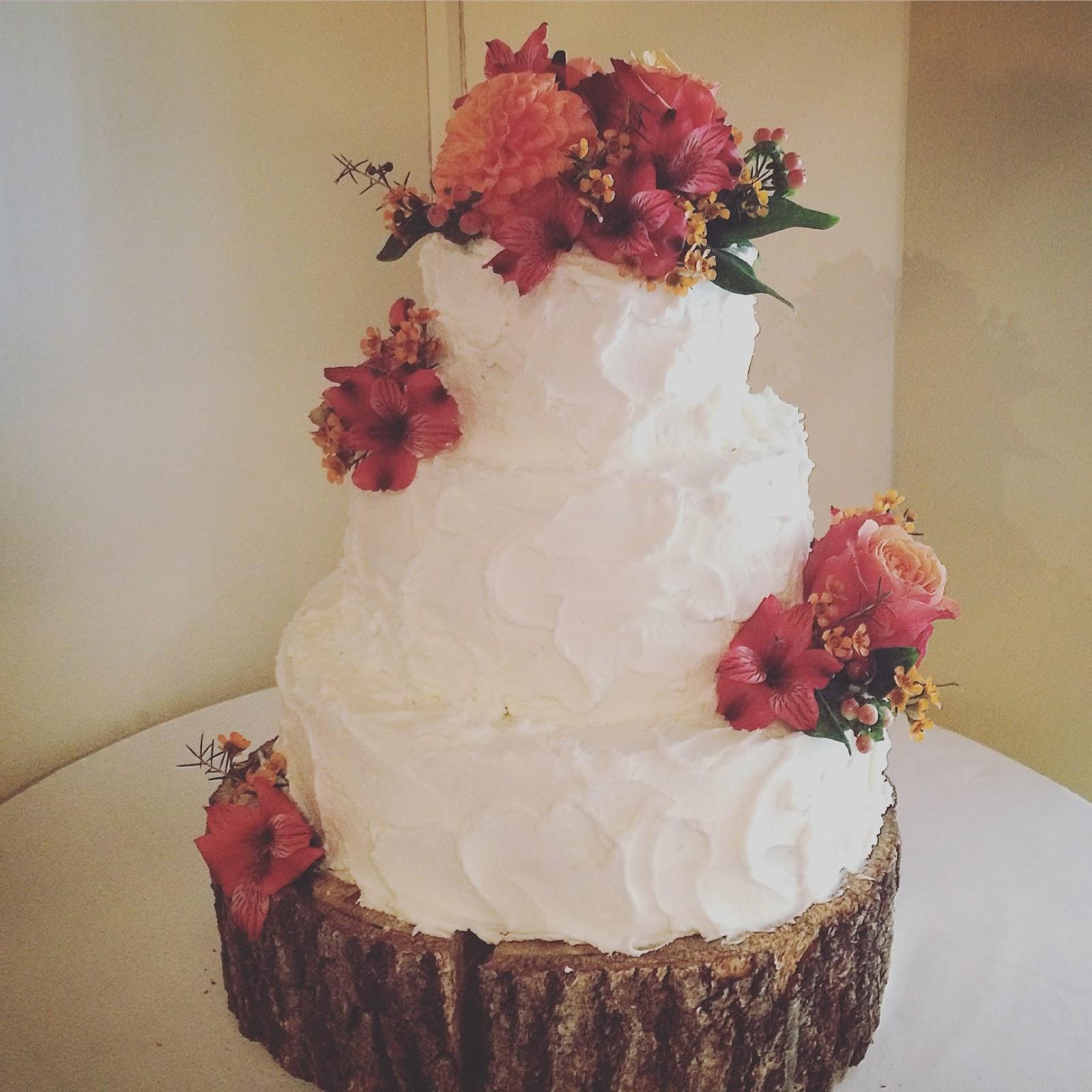 Autumn Love Wedding Cake