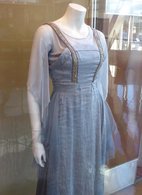 A garota dinamarquesa, danish girl, Gerda (Alicia Vijander), vestido azul, figurino