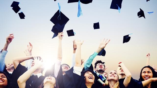 Cara Menjadi Mahasiswa Baru yang Berprestasi - Dedi Mukhlas