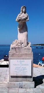 The statue in Porto Cesareo that caused such controversy