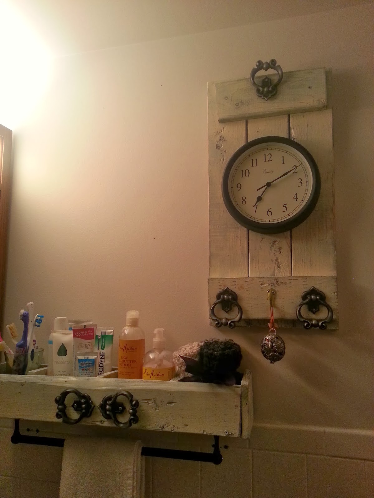Freckles 'n' Family: Rustic Bathroom Wall Clock
