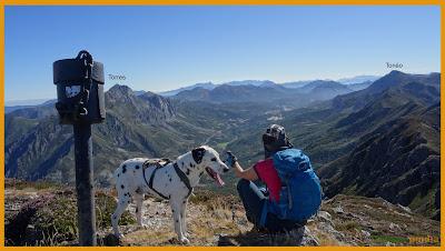 En lo alto del Pico Fuentes en la ruta al Xexe, Nogales, Oso y Fuentes.