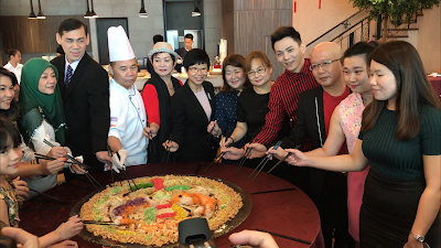 Media, Local & International Artiste Tossed Their Way to Good Fortune At Promenade Hotel Kota Kinabalu