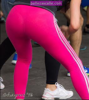 mujeres bellas calzas