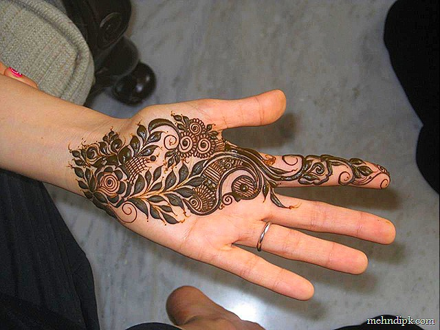 Latest and Best Mehndi Pattern 2016