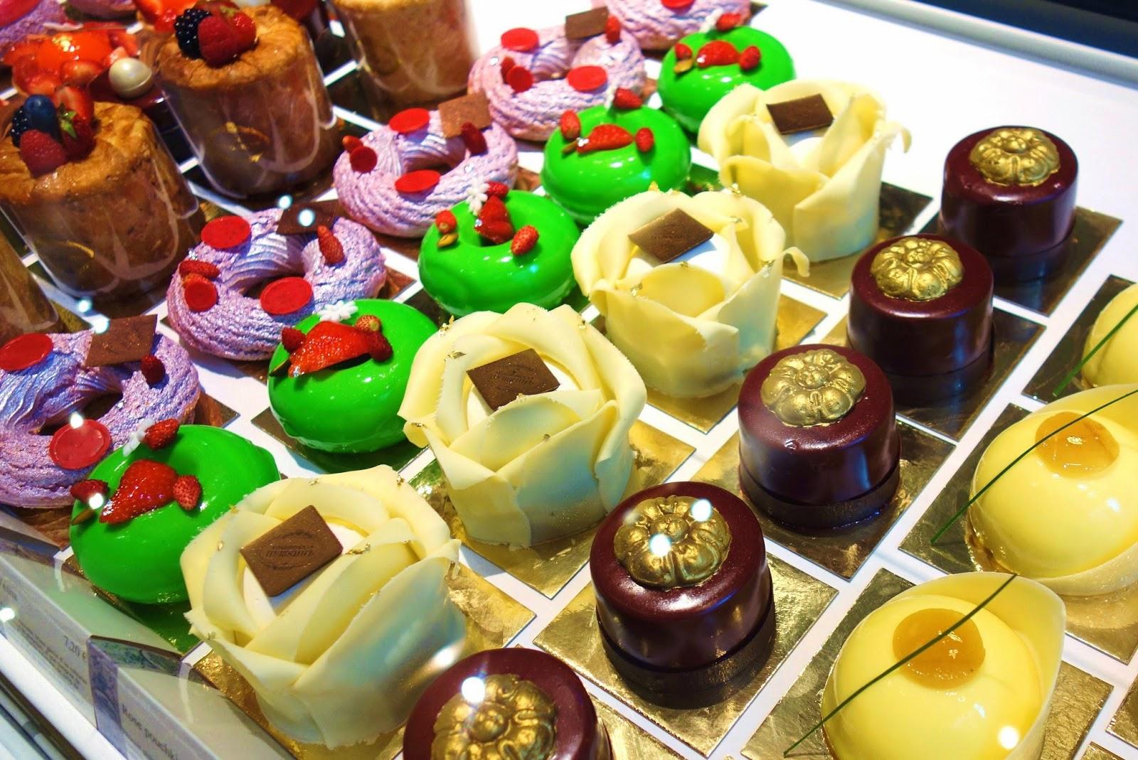 Mes Adresses  Le Café Pouchkine, l\u0027espièglerie des pâtisseries  franco,russes
